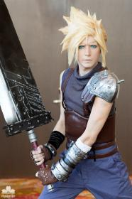 Cloud Strife from Final Fantasy VII worn by Moderately Okay Cosplay